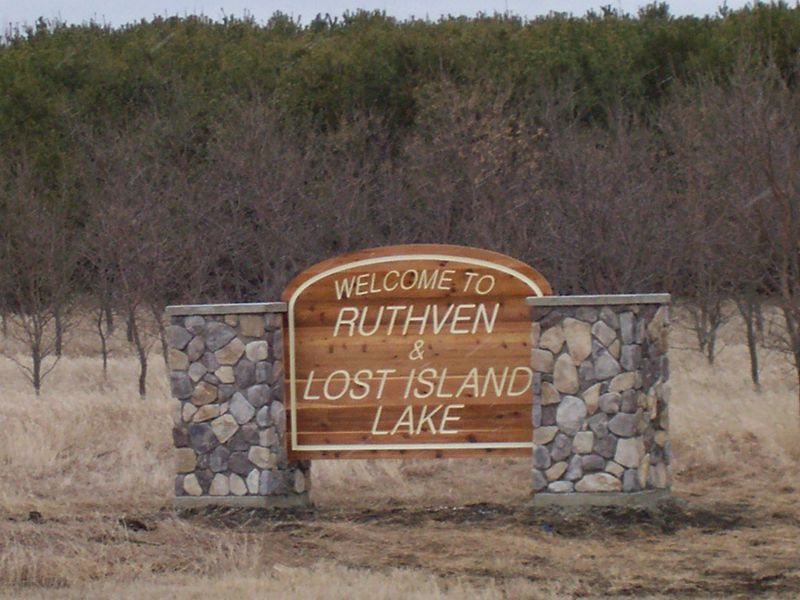 Ruthven Welcome Sign